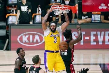 NBA決勝、レーカーズが先勝 ヒートに116―98 画像1