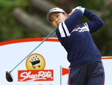 畑岡が首位浮上、渋野45位 米女子ゴルフ第2日 画像1