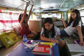 フィリピンで7カ月ぶり学校再開 対面授業は当面見送り 画像1