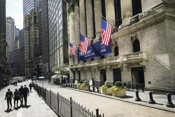 NY株反発、465ドル高 トランプ大統領快方で買い 画像1