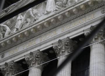 NY株反落、375ドル安 米経済対策を悲観 画像1