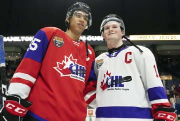 NHL、ドラフト会議開く 全体1位はラフレニエル 画像1