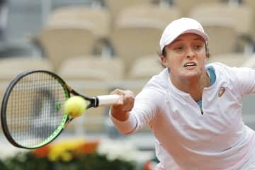 テニス、シュビオンテクが決勝へ 全仏オープン第12日 画像1