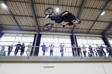 自転車BMX施設で記念イベント 廃校活用しオープン、岩手 画像1
