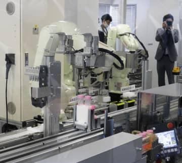 川崎重工がPCR検査ロボット 来年初め実用化目指す 画像1