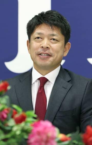 引退の広島・石原慶幸が記者会見 「幸せな時間だった」と感謝 画像1