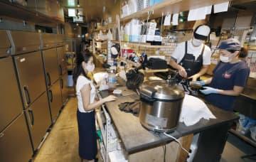 飲食業界、宅配専門店が拡大 客足減から新業態を模索し 画像1
