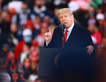トランプ氏「来年は最高の年に」 米経済回復に自信、会場停滞感も 画像1