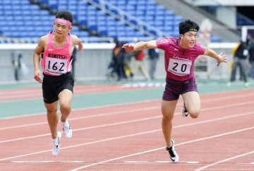 10秒87で同着優勝 中学男子百メートル藤井と水野 画像1