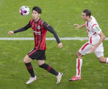 鎌田はフル出場し、PKを獲得 サッカー、ドイツ1部 画像1