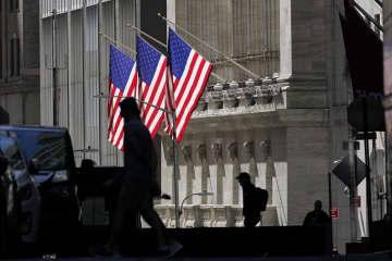 NY株反落、28ドル安 米経済対策に不透明感 画像1