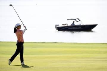 上原彩子、79と崩れ予選落ち 米女子ゴルフ第2日 画像1