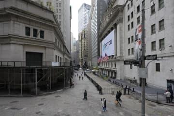 NY株急落、943ドル安 コロナで3カ月ぶり安値 画像1