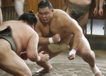 大関朝乃山、トランプ氏にエール 19年夏場所の千秋楽で表彰され 画像1