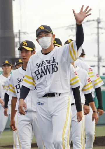 内川内野手、ソフトB退団を明言 他球団での現役続行を希望 画像1