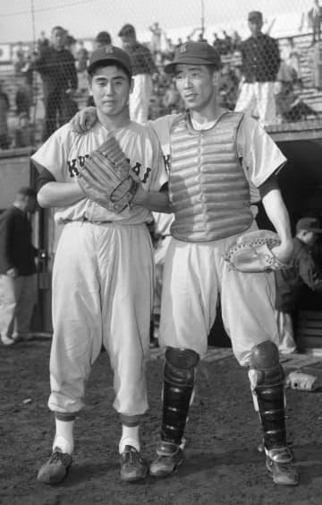 <あのころ>村山投手と上田捕手 関西大の強力バッテリー 画像1