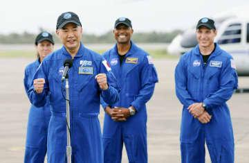"""野口さん、宇宙へ""""全集中""""で 米フロリダの打ち上げ場で会見 画像1"""