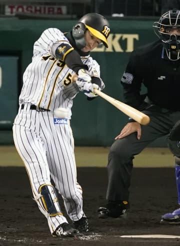 神1―0D(11日) 近本、均衡破る三塁打 画像1