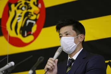 阪神・矢野監督「挑戦」掲げる オーナーにシーズン報告 画像1