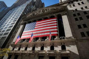 NY株続落、317ドル安 コロナ感染急増を懸念 画像1