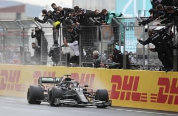 F1、ハミルトン7度目総合V シューマッハーに並ぶ 画像1