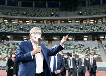 バッハ氏、国立競技場を初視察 「五輪の雰囲気」、選手村も 画像1