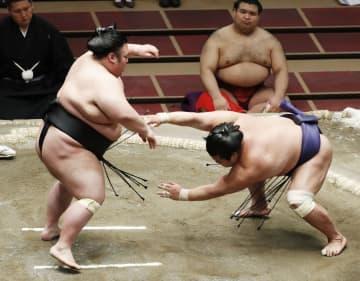 貴景勝、志摩ノ海1敗守る 2敗は照ノ富士ら3人 画像1