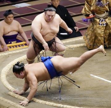 貴景勝と志摩ノ海が1敗堅持 2敗に照ノ富士と竜電 画像1