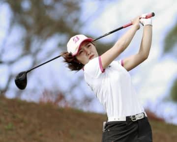 古江彩佳ら若手3人が-6で首位 女子ゴルフ第1日 画像1