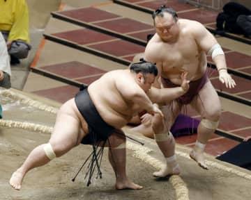 貴景勝と志摩ノ海が1敗維持 13日目に対戦、照ノ富士が追う 画像1