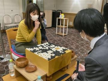 囲碁、藤沢里菜が男女混合戦優勝 女性初、若手棋戦 画像1
