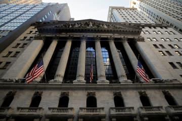 NY株反落、3万ドル下回る ナスダックは最高値更新 画像1