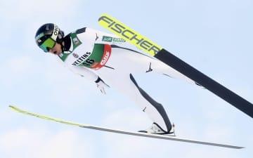 渡部暁斗3位、今季初の表彰台 スキーW杯複合男子 画像1