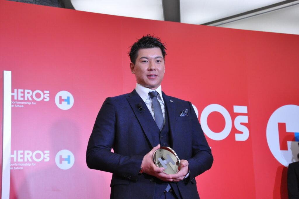 「HEROs AWARD 2020」授賞式に出席した炭谷銀仁朗プロ野球選手会長