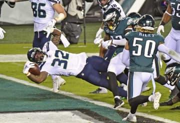 NFL、シーホークスが8勝目 イーグルスを下す 画像1
