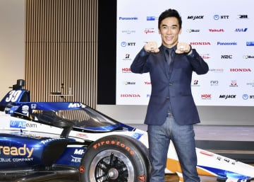 佐藤琢磨がインディ優勝を報告 「これ以上の幸せない」 画像1