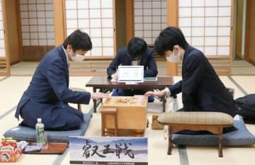 藤井聡太二冠、師匠に3連勝 将棋の叡王戦、決勝進出 画像1