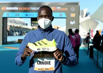 ハーフマラソンで世界新 ケニアのカンディ 画像1