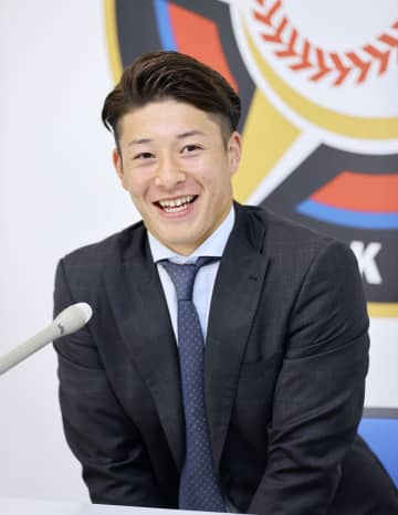 日本ハム、吉田輝星は現状維持 清宮は200万円増 画像1
