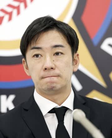 日本ハムの斎藤は350万円減 右肘痛め1軍登板なし 画像1