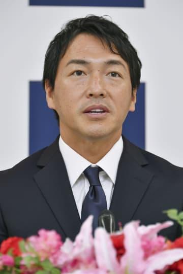 広島・長野久義1億6500万円 「もっと格好いい姿を見せたい」 画像1