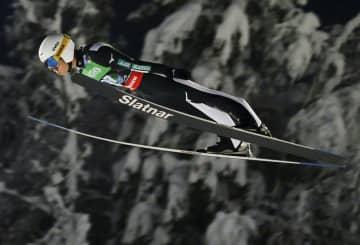 ジャンプ、佐藤幸椰が前半6位 フライング世界選手権 画像1