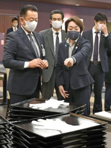 五輪相、合宿地のコロナ対策視察 栃木県のホテルや練習場所 画像1