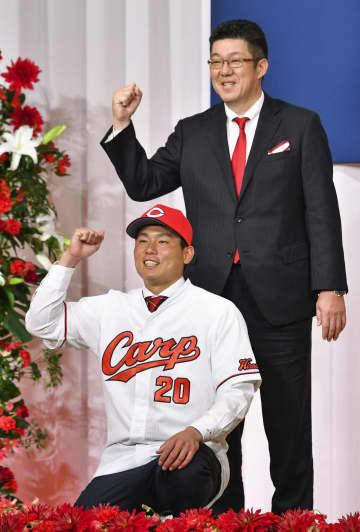 栗林良吏投手「期待とわくわく」 広島が新入団選手を発表 画像1