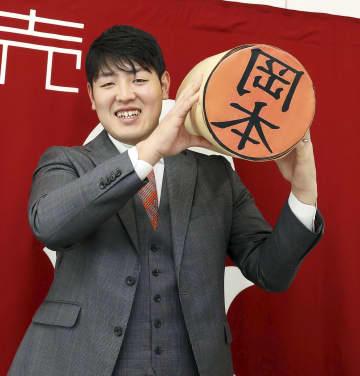 巨人の岡本和真は2億1千万円 松井秀喜に次ぐ若さで到達 画像1