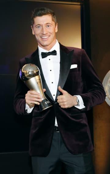 最優秀選手にレバンドフスキ 初受賞、FIFA年間表彰式 画像1