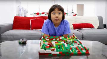 9歳男児、年収30億円でトップ 米経済誌のユーチューバー番付 画像1