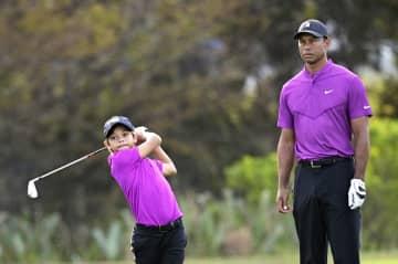 ウッズ親子が好スコア PNC選手権、11歳の息子と 画像1