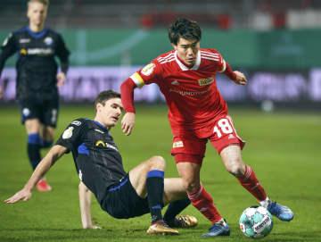 遠藤渓太、後半途中に退く サッカー、ドイツ杯2回戦 画像1