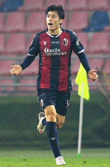 ボローニャ・冨安、今季初ゴール イタリア1部、吉田はアシスト 画像1